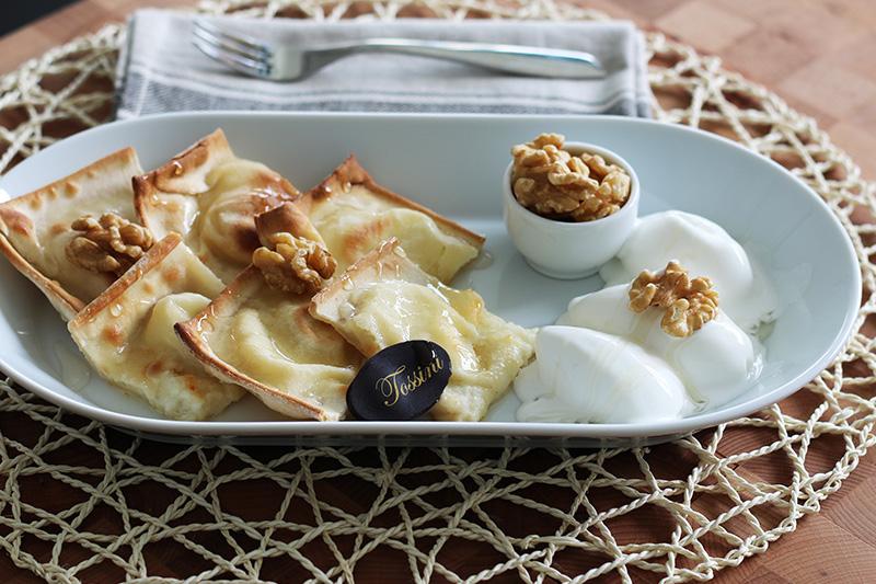 Focaccia al formaggio noci e gelato - Panificio Pasticceria Tossini - Recco