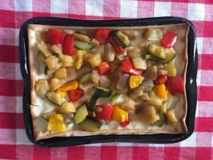 focaccia col formaggio vegetariana