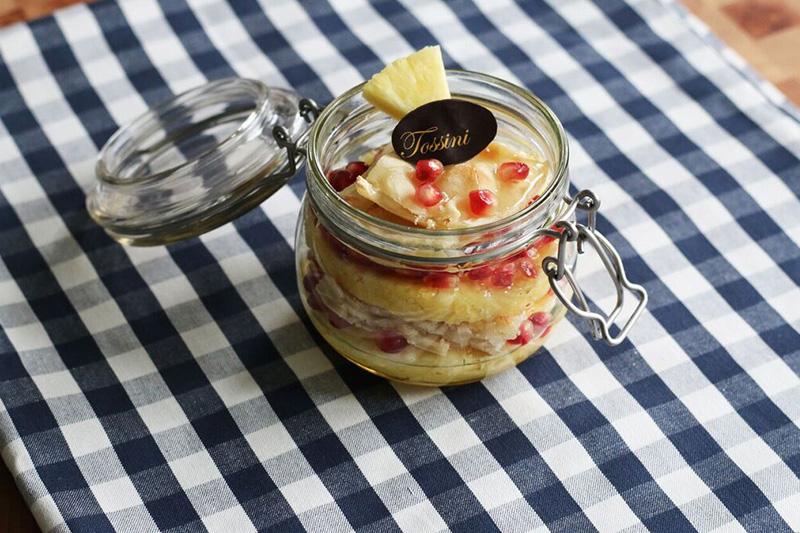 Focaccia al formaggio ananas e melograno - Panificio Pasticceria Tossini - Recco
