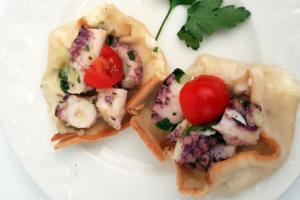 Focaccia al formaggio con polpo - Panificio Pasticceria Tossini - Recco