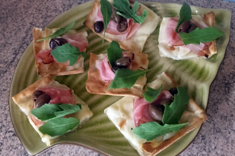 focaccia col formaggio verde e rosa - Panificio Pasticceria Tossini - Recco