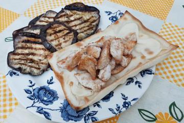 focaccia col formaggio, pollo e melanzane - Panificio Pasticceria Tossini - Recco