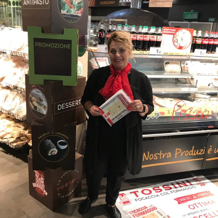 Focaccia col formaggio Tossini, degustazioni Carrefour (10)