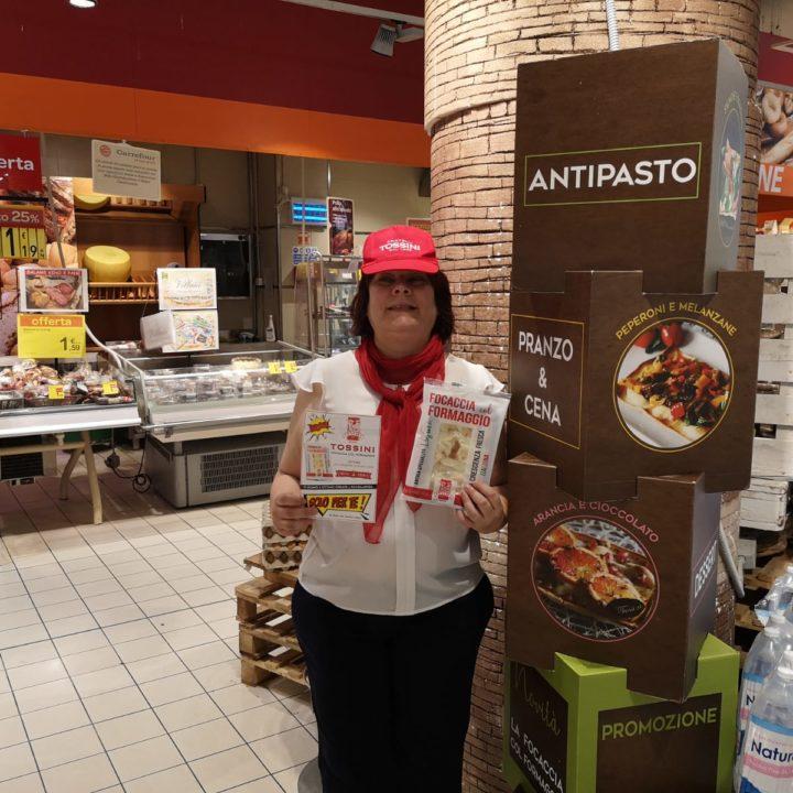 Focaccia col formaggio Tossini, degustazioni Carrefour (3)