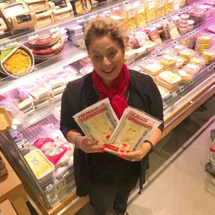 Focaccia col formaggio Tossini, degustazioni Carrefour (5)