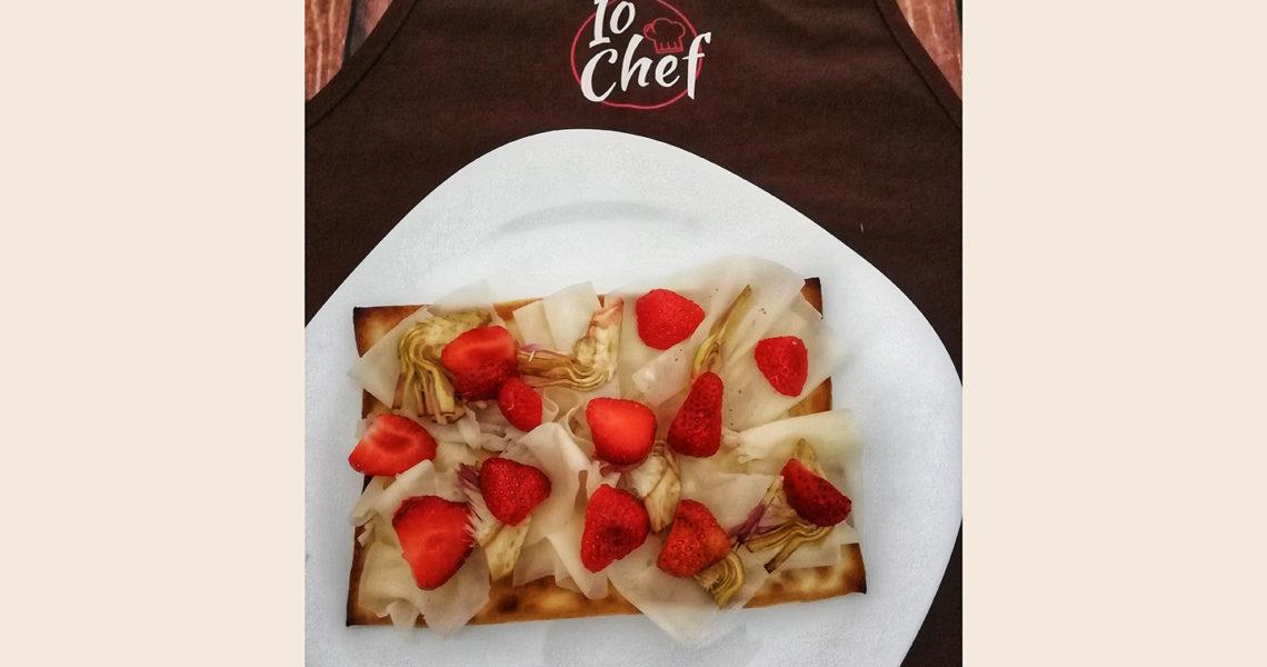 Focaccia col formaggio con raspatura, carciofi e fragole - Tossini Recco