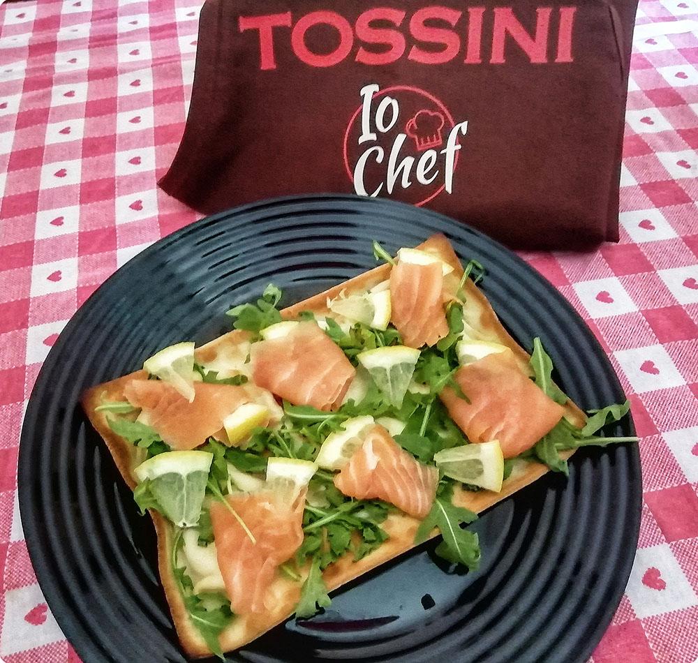Focaccia col formaggio con salmone - Tossini Recco